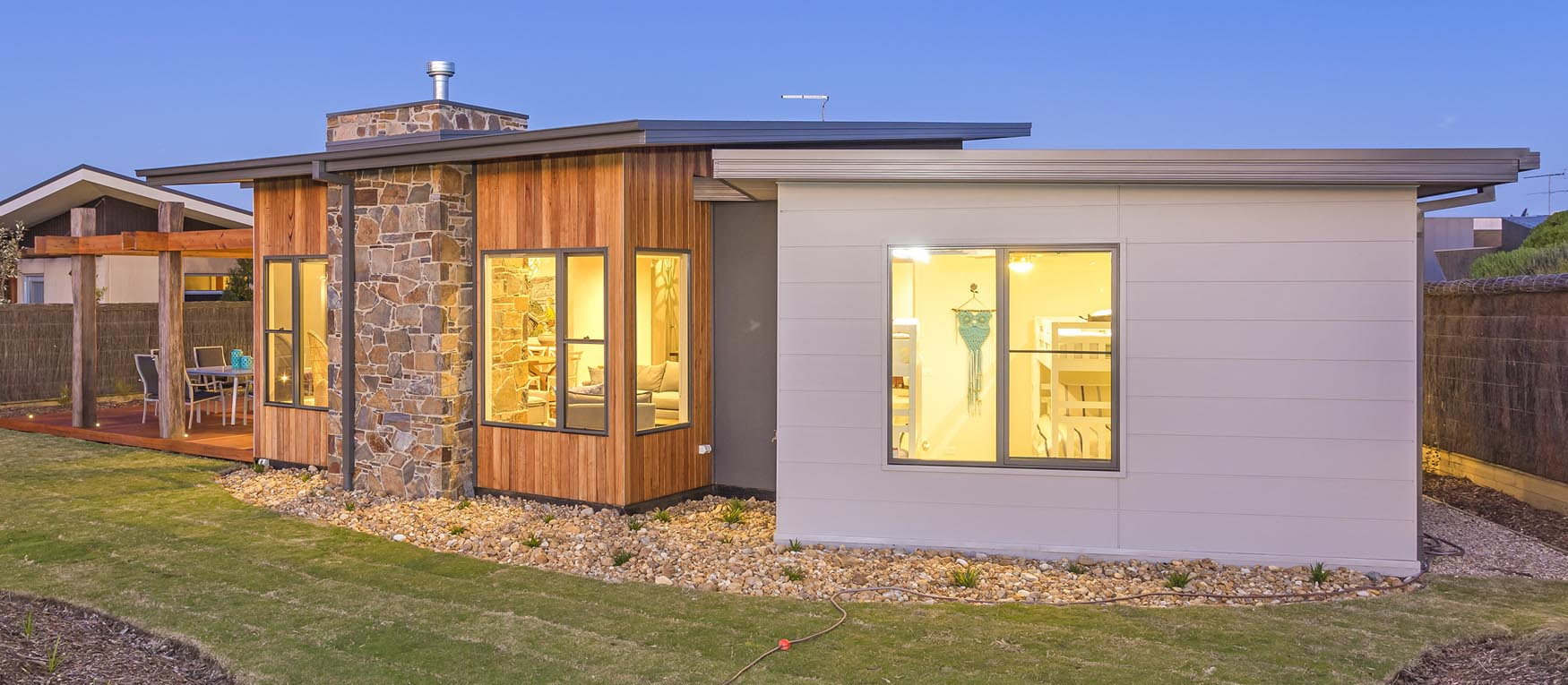Contemporary exterior innovative designs colorbond contemporary - Built By Pivot Homes Natural Stone Has Been Used Not Only To Give This Modern Contemporary Home An Amazing Entry Focal Point But Also Has Been Us