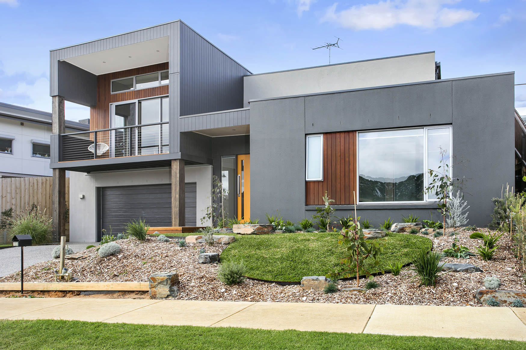 Project homes for steep blocks