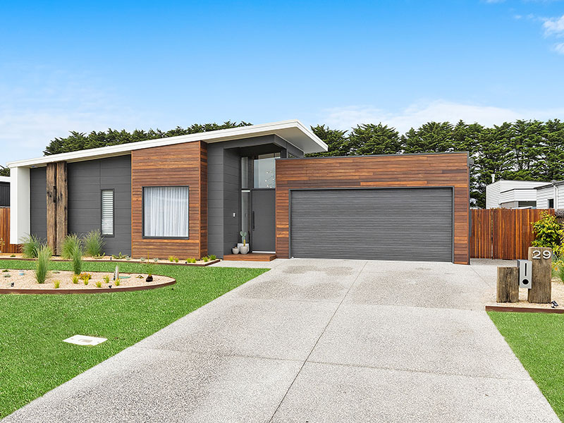 Thirteenth Beach Single Storey Home